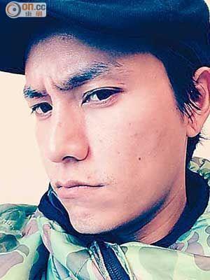 陈坤自拍鬼脸照