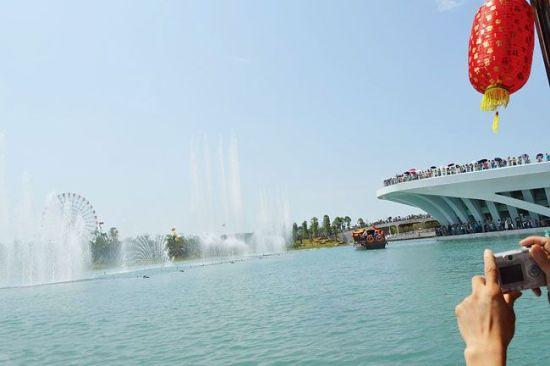 园博会的水百音乐喷泉。