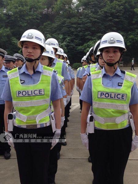 公安局交通警察支队的警花们。广西新闻网记者 陈仁义 摄