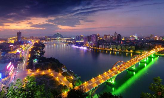 柳江璀璨夜景 资料图