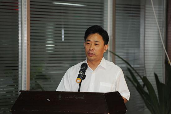 广西联通总经理鲁东亮发表讲话
