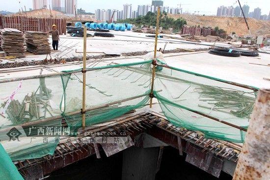 图为施工现场。广西新闻网记者 杨郑宝摄