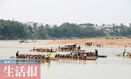 每年端午赛龙舟已成为下楞村的保留节目。