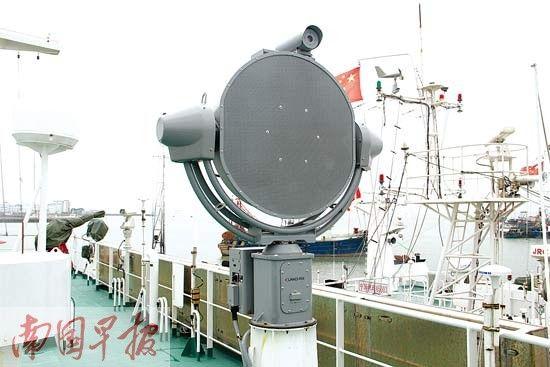 最大执法船上能定向发出强声的设备。