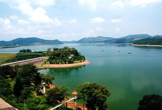 大王滩国家水利风景区位于广西首府南宁市南郊28
