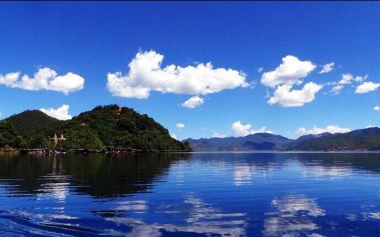 丽江泸沽湖 图源:新浪图库