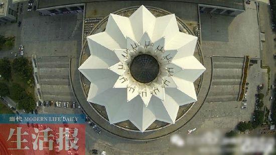 南宁国际会展中心。从空中俯拍,像不像一朵盛放的雏菊?