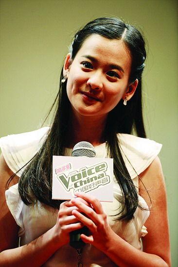陈永馨在节目录制现场接受记者采访。图片来源:当代生活报