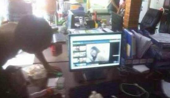 涠洲岛管委会人员被曝在办公室看黄片。图片来自网络