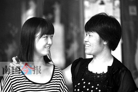 韦清萍希望女儿在这件事情中学会成长。记者颜篁 摄