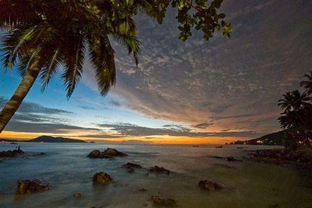 泰国巴东海滩 图源:新浪图库
