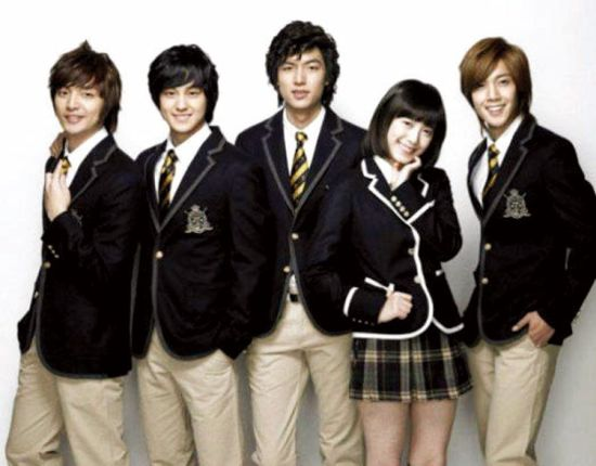 韩国校服。(图片来源:新浪教育)
