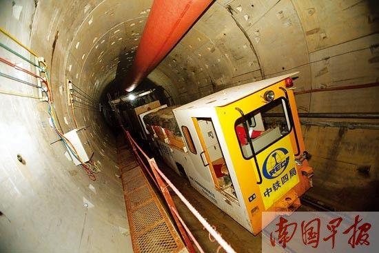 南湖底下的地铁隧道主体已经建设完成。 记者 邹财麟 摄