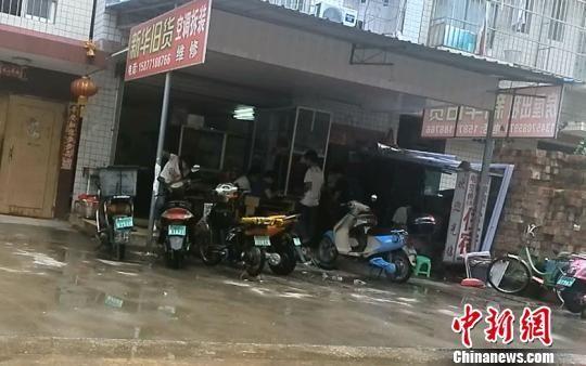 一外卖快餐店藏身地。 曹旺 摄