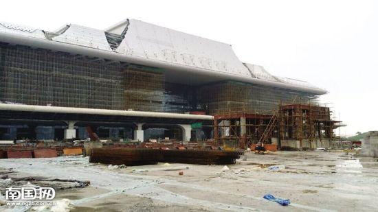 南宁东站年底才能使用,乘客需要在南宁火车站乘车。 孙妮 摄