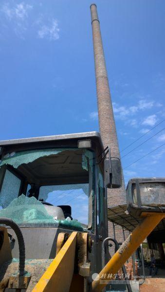 9月2日的事件发生后,村民涌进砖厂砸坏了一些设备。