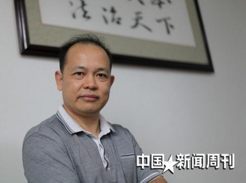 8月11日,何文凯在自己的办公室。摄影本刊记者陈涛
