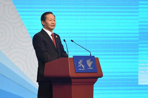 广西壮族自治区党委书记、自治区人大常委会主任彭清华致欢迎词。 黄孝邦 摄