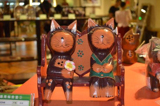 巴厘岛木猫。梁颖 摄