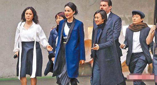 王菲出席巴黎时装周