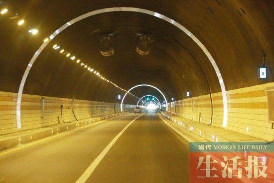 河池至都安高速公路万合店一号隧道