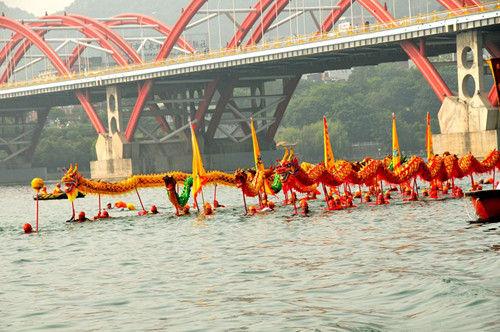 2014柳州水上国际狂欢节百里柳江激情畅游