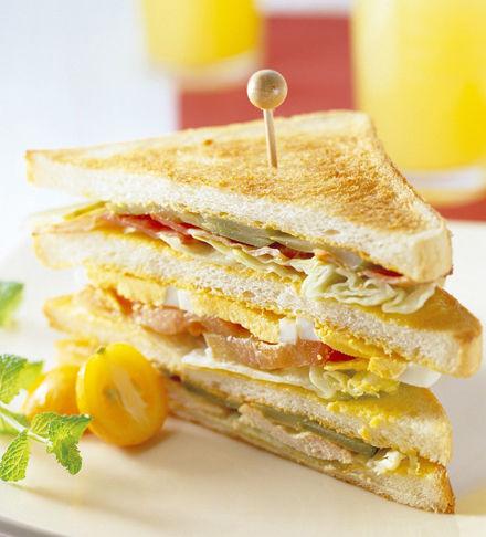 【鸡蛋三明治】