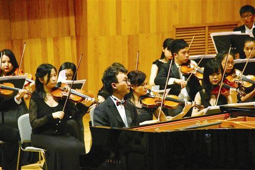 """图为""""贝多芬之夜""""音乐会演出现场。 南国早报记者 刘豫摄"""