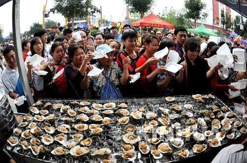 钦州蚝情节 图源:新华网