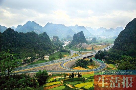 百靖高速路是风景如画
