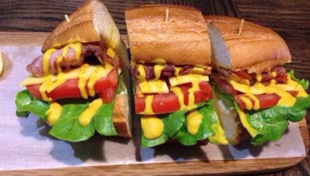 吞拿鱼三明治
