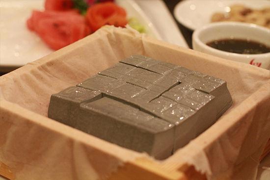 巴马泉水自磨黑豆腐