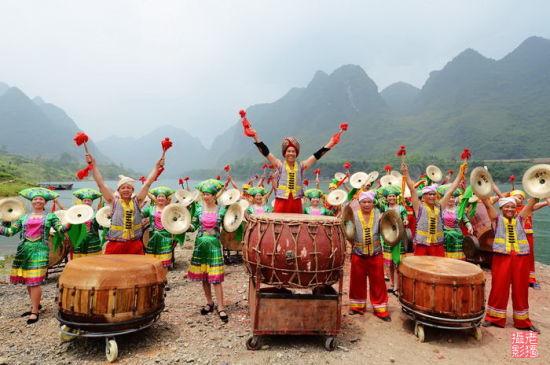 壮族会鼓是马山人民独有的一种民间娱乐活动 图:新浪博主/独行侠H