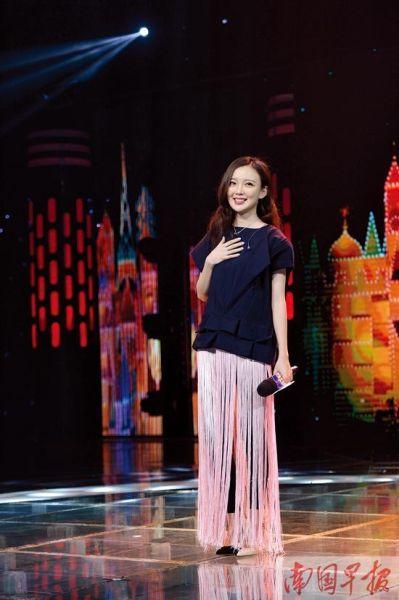 汪小敏回到家乡舞台上。