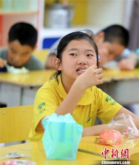 """桂北特殊学校儿童提前过""""六一"""""""