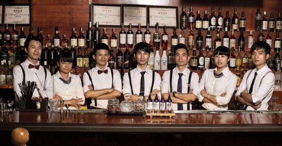 星泽酒吧调酒师