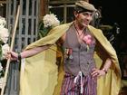 JohnGalliano回归时尚圈将设计舞台剧戏服