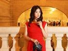 女星蒋欣现身纽约中央火车站拍摄街拍大片