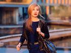 蔡健雅秋日暖色调街拍与自己的时尚对话