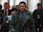 刘德华穿军大衣帅气时尚引网友围观