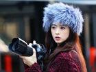 蒋欣纽约街头创意街拍化身时尚摄影师