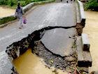 全州遭遇强降雨山洪冲垮桥梁道路