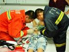 贵港10岁男孩身体敏感部位被钢圈套肿(图)